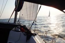 Яхта Jeanneau