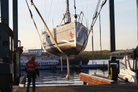Спуск яхты Jeanneau 32i